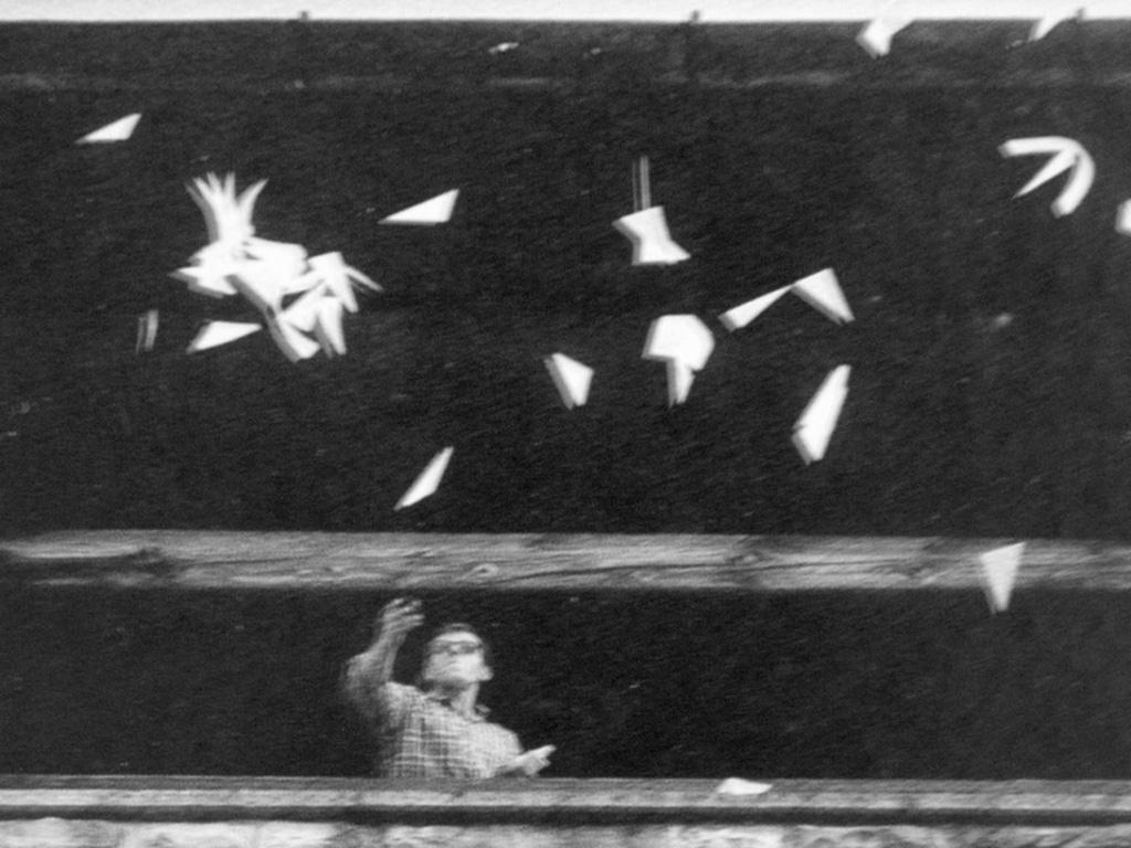 Per far vedere l'aria, performance di Bruno Munari